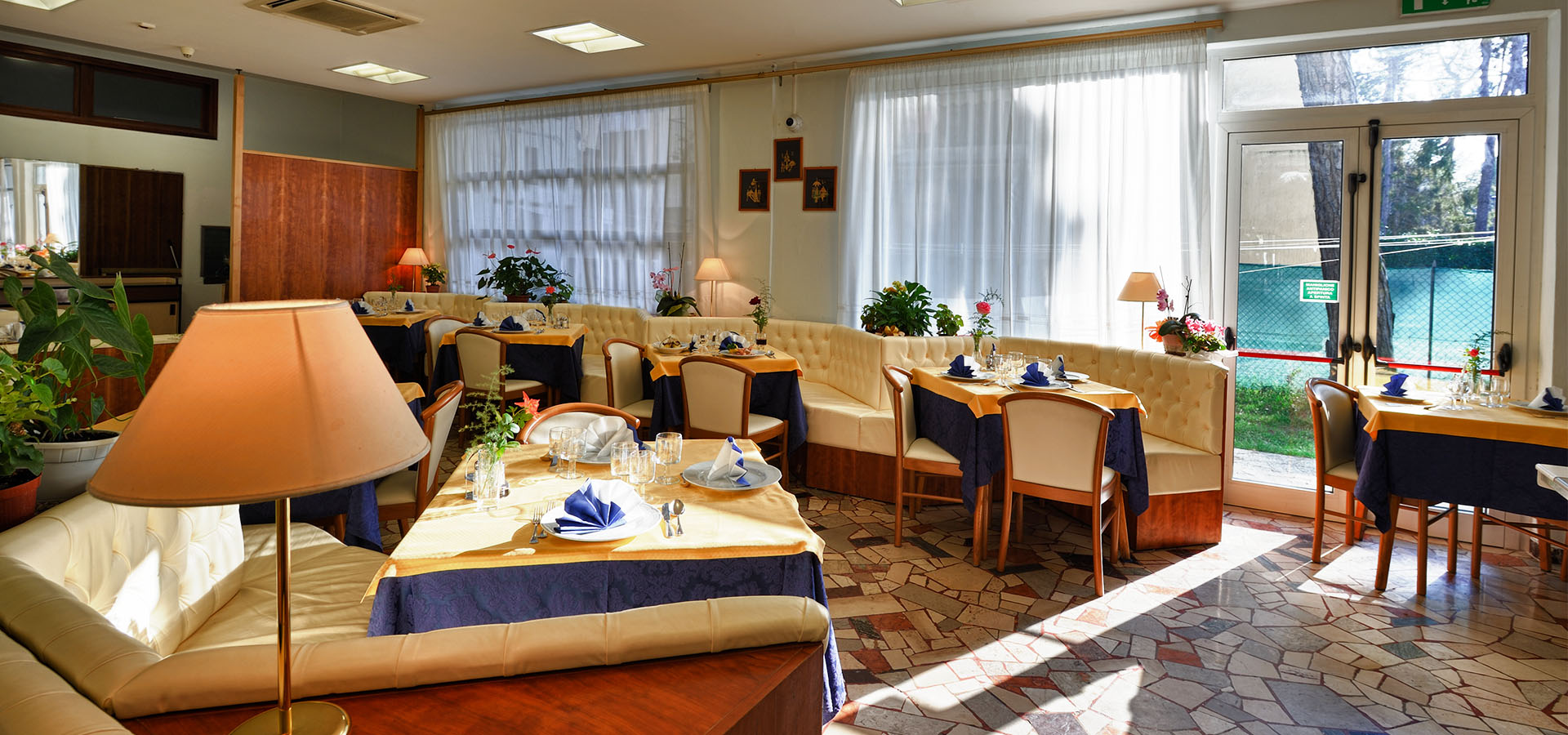 hotel with restaurant in Lignano